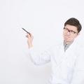 インスリン治療を行う時も血糖値測定器はもちろん重要